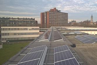 2.700 panneaux photovoltaïques en cours d'installation à l'UMONS