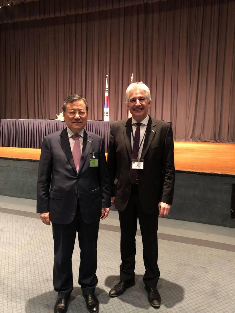 Accords signés en Corée par le Recteur Dubois de l'UMONS lors de la visite d'Etat