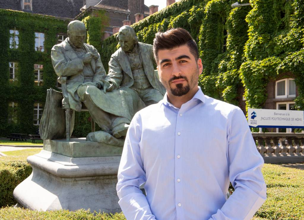 Mahmoud Nani (Syria), the first refugee student to graduate as an Engineer from the UMONS Faculty of Engineering