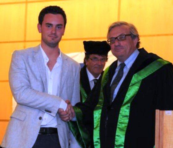 Des diplômés de BAC Pharmacie de l'UMONS distingués à l'ULB