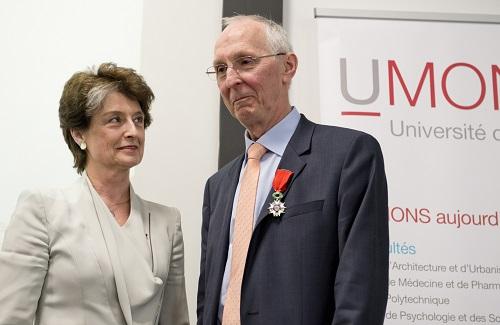 Un prof. de l'UMONS reçoit la Légion d'honneur