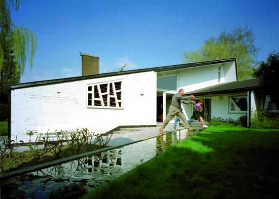 Conférence-débat autour de la protection du patrimoine moderniste en Wallonie et plus particulièrement de l'œuvre de Jacques Dupuis