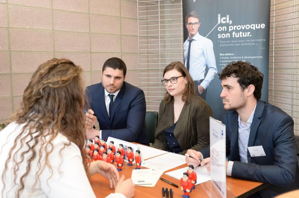 Une septantaine de recruteurs présents à la JDE 2018 pour autant de futurs diplômés ingénieurs civils