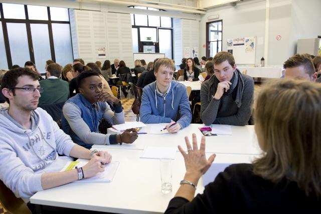 Séance d'information sur les métiers du Droit pour les étudiants du bloc 3