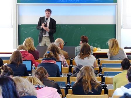 Pourquoi enseigner le droit romain aujourd'hui ?